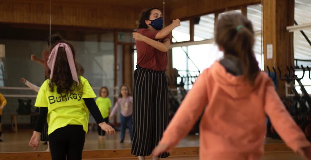 bunkay-clase-infantil-iniciacion danza 3